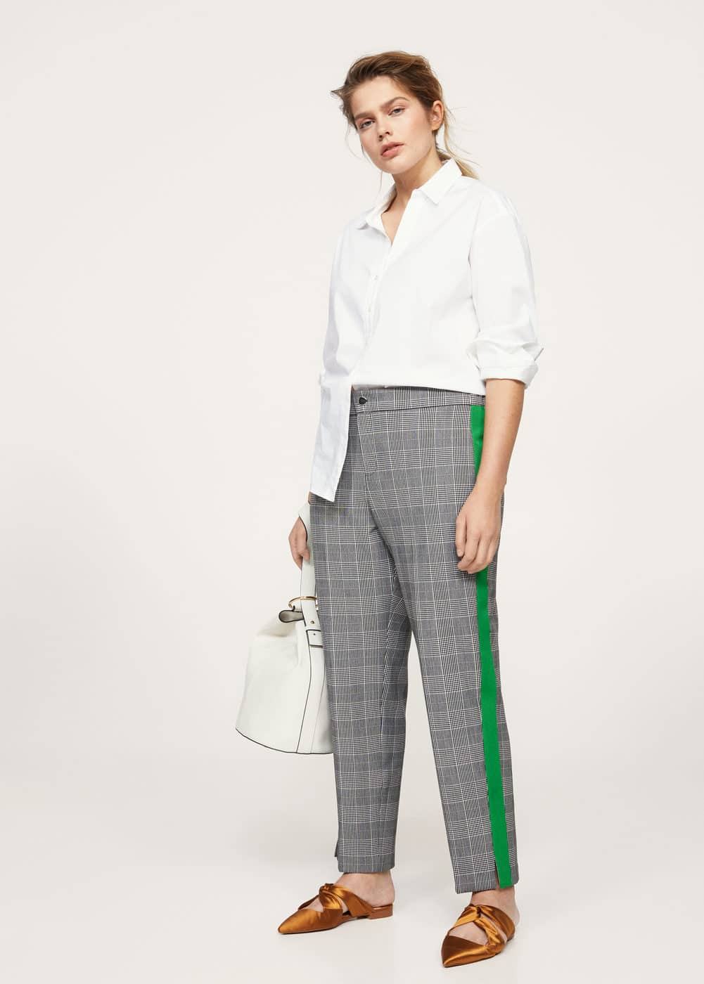 Contrasting trims checked trousers | VIOLETA BY MANGO