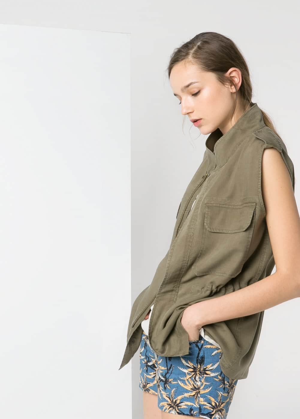 Military-style soft fabric gilet | MANGO MAN