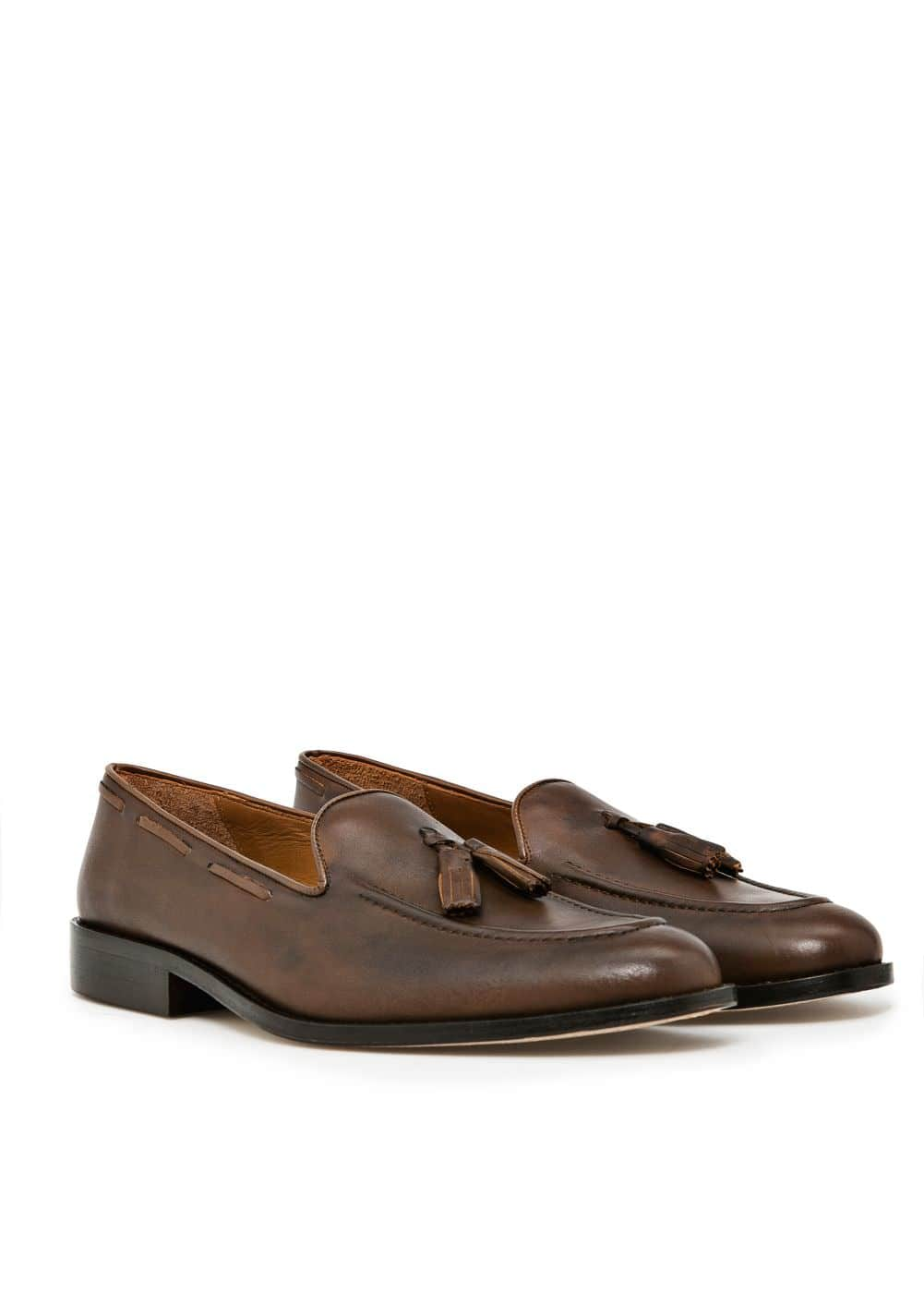 Leather tassel loafers | MANGO MAN