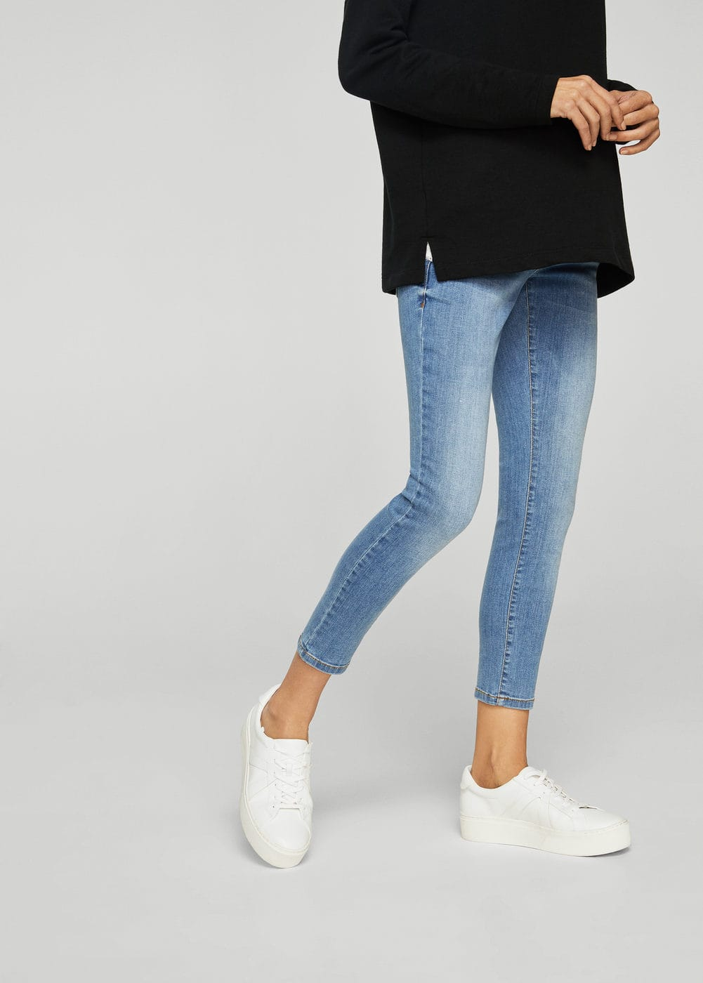 Mid-rise jeans | MNG