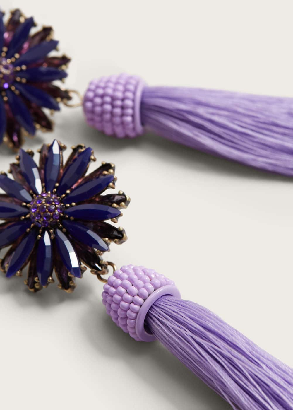 Tassel flower earrings | VIOLETA BY MANGO