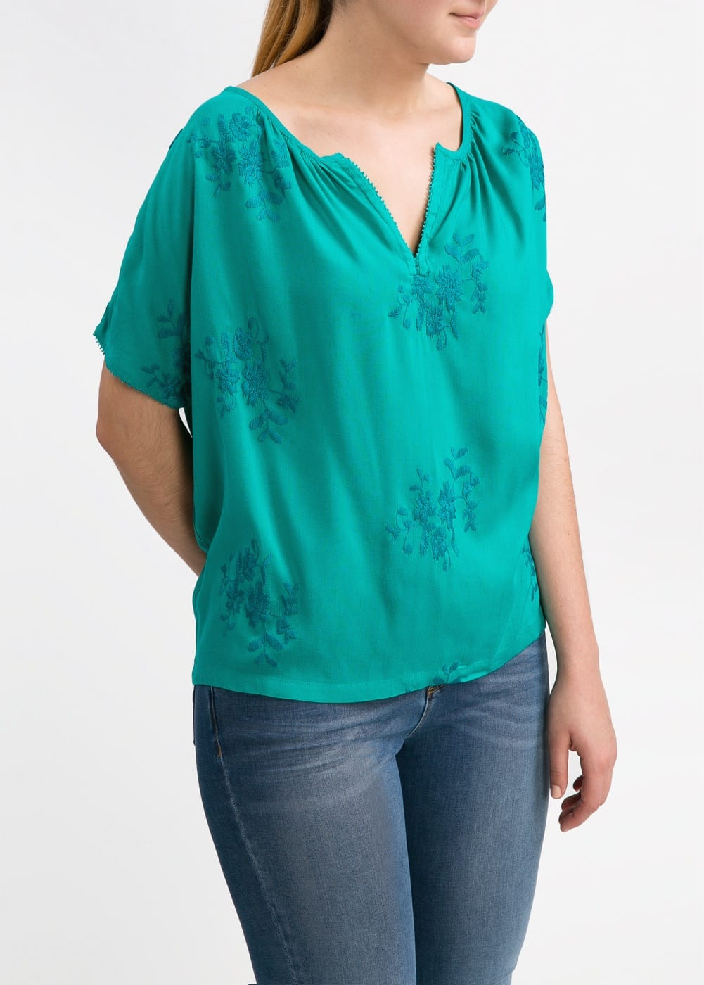 Flower embroidery blouse | MANGO