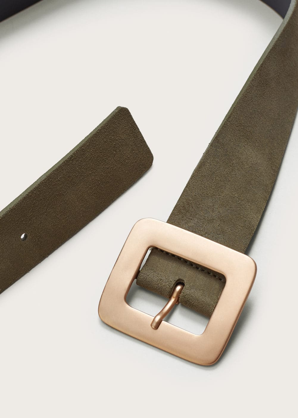 Buckled suede belt | VIOLETA BY MANGO
