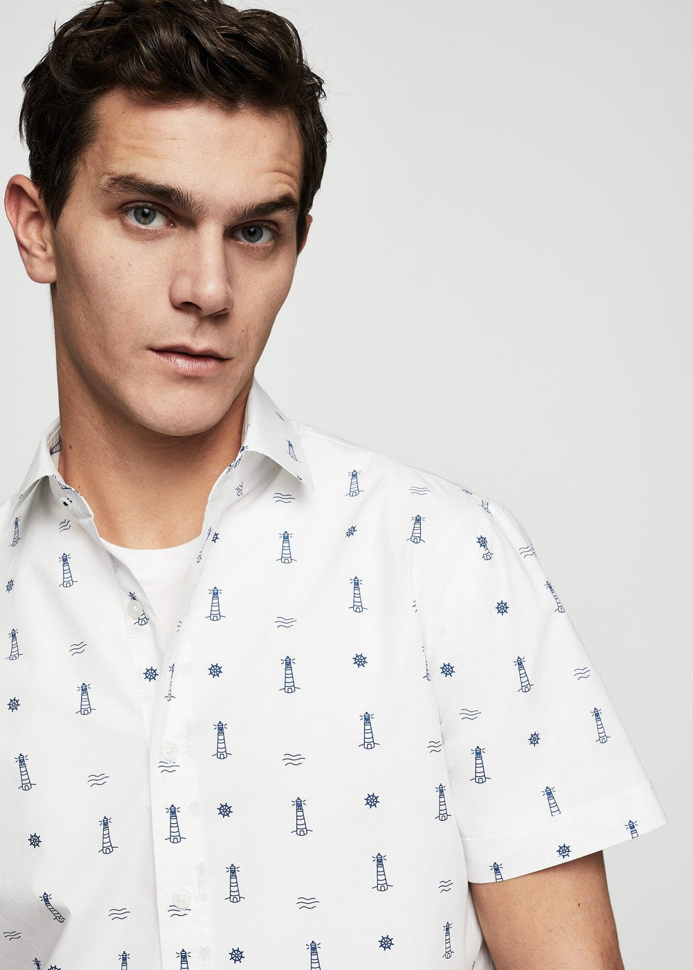 Slim-fit lighthouse printed cotton shirt  | MANGO