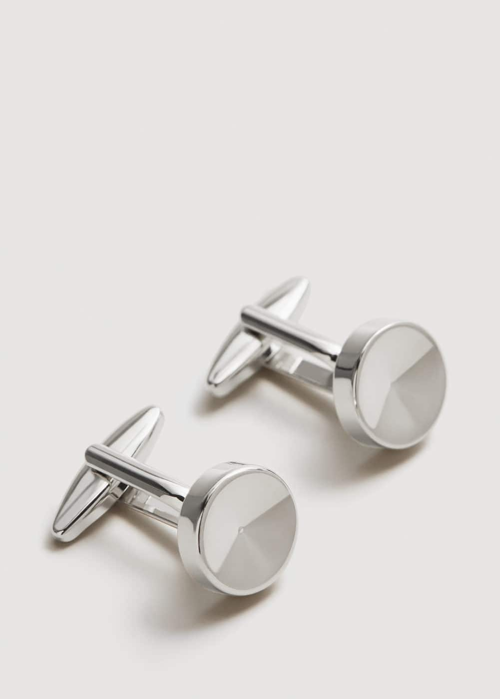 Button cufflinks | MANGO MAN