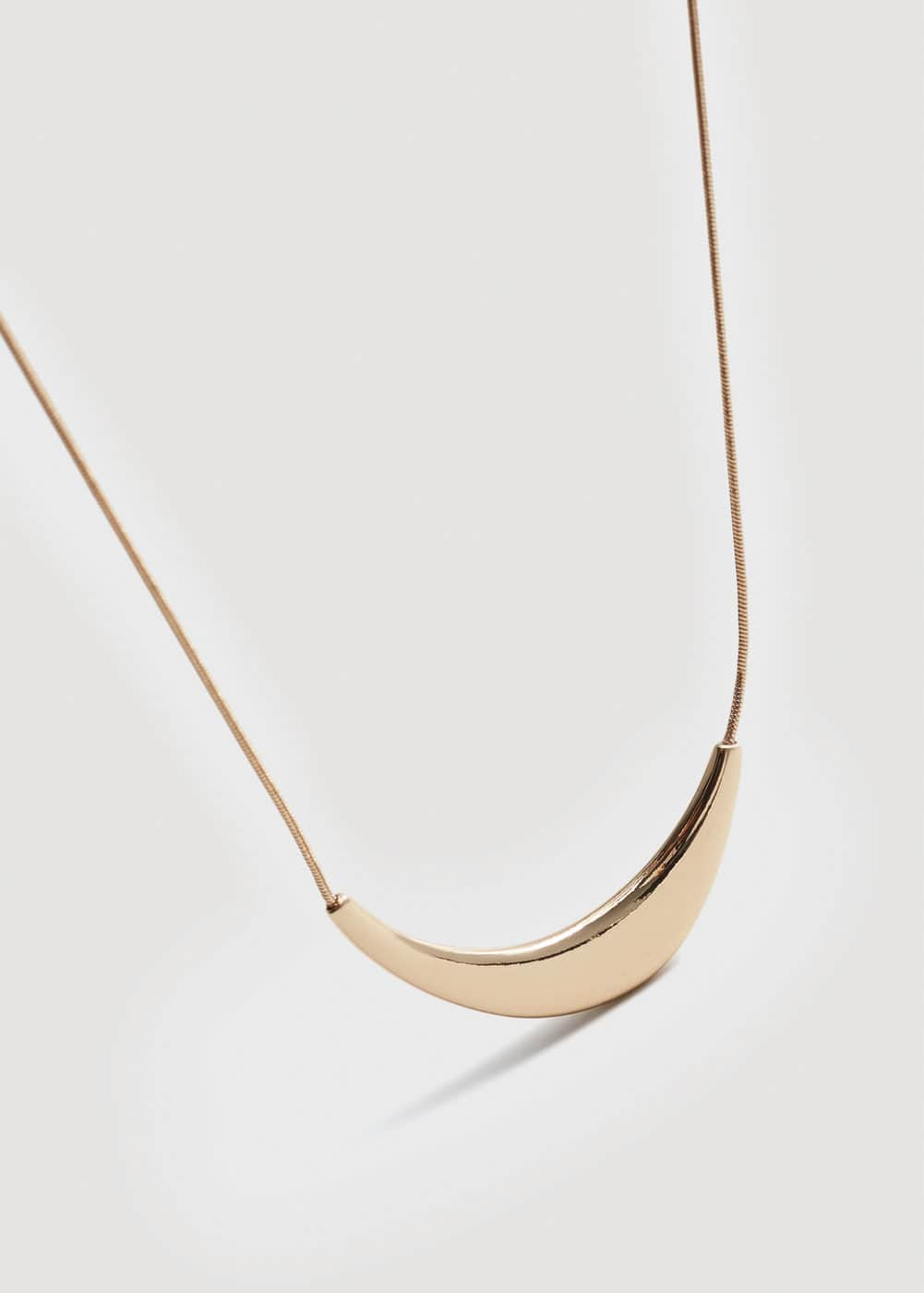 Metal pendant necklace | MANGO