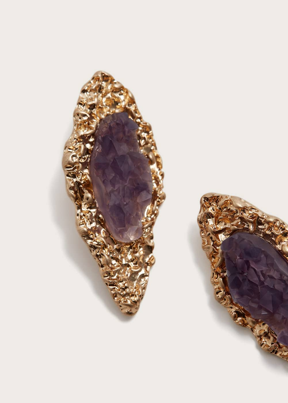 Stone metallic earrings | MANGO