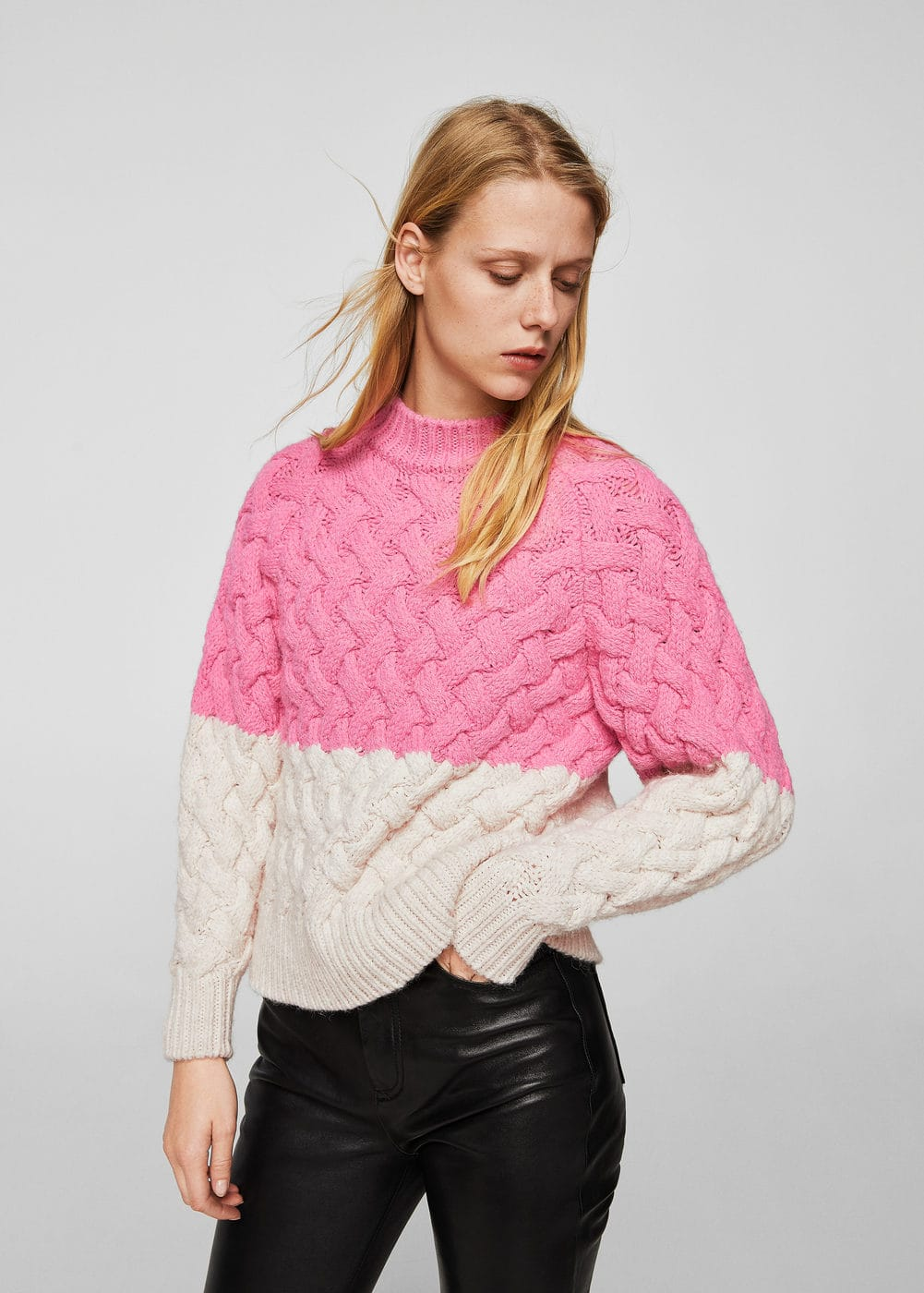 Bicolor cable-knit sweater | MANGO
