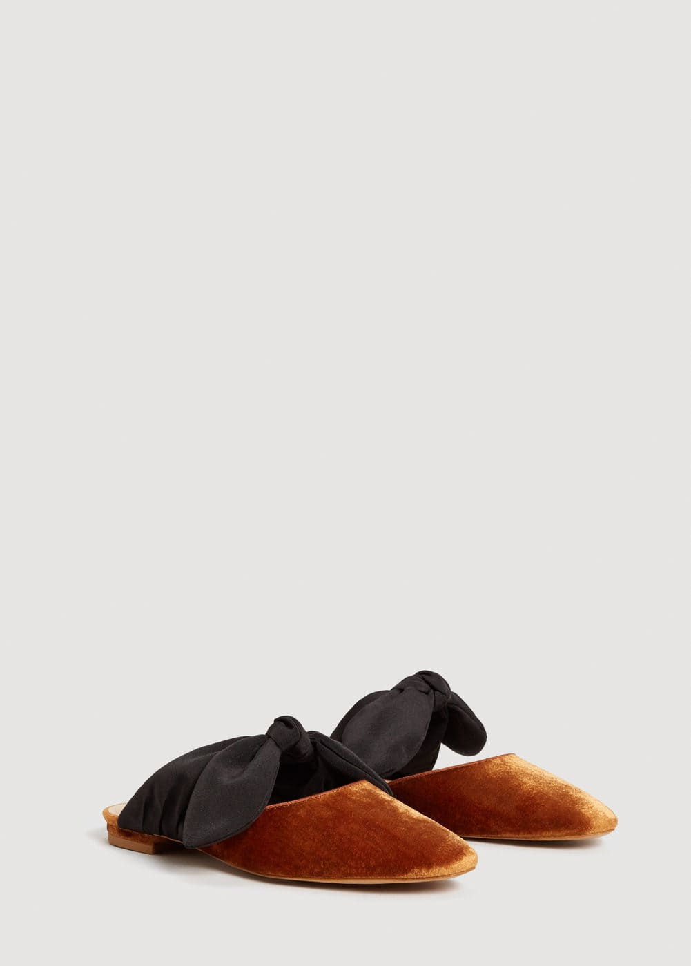 Knot velvet shoes | MANGO
