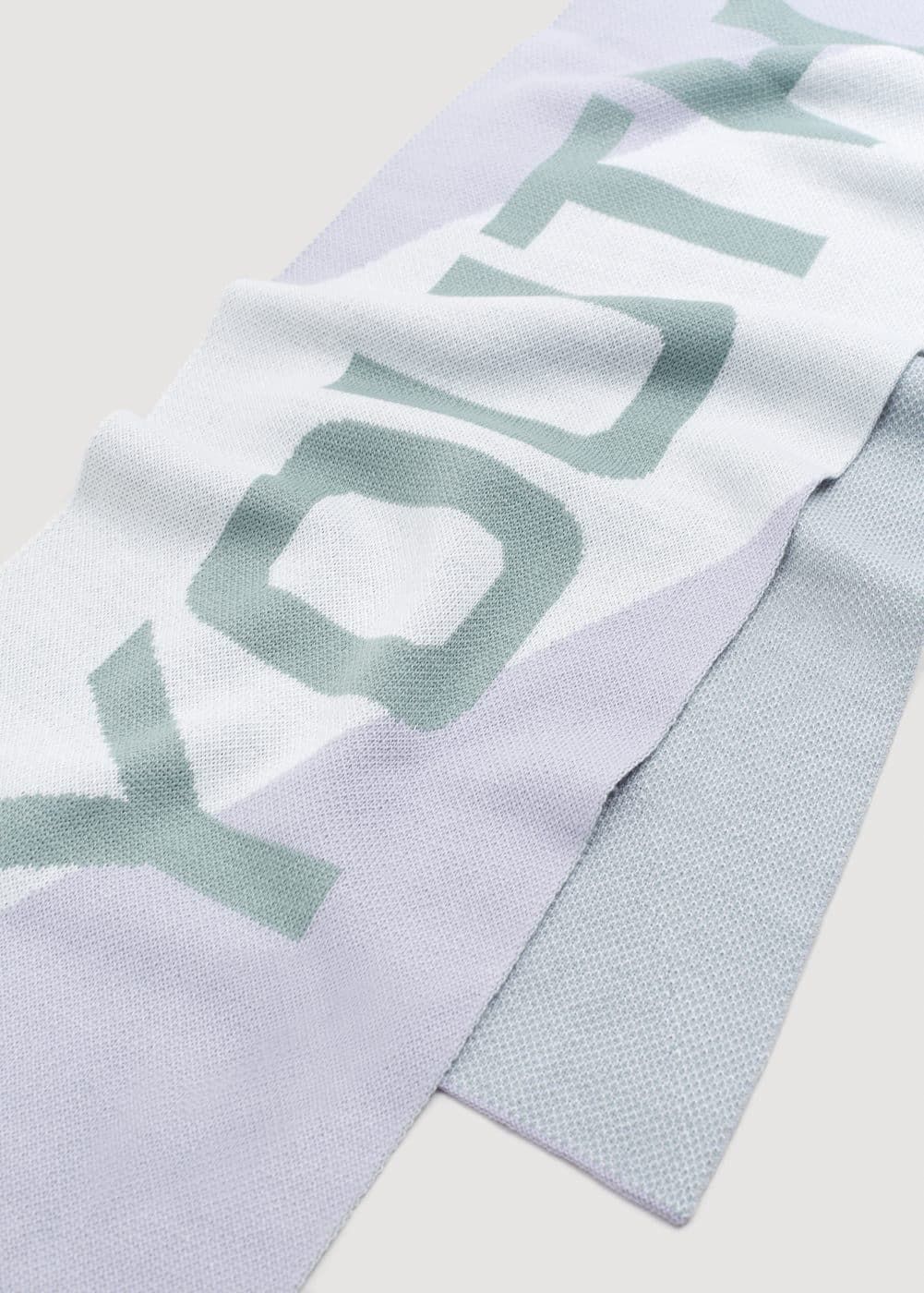 Message scarf | MANGO
