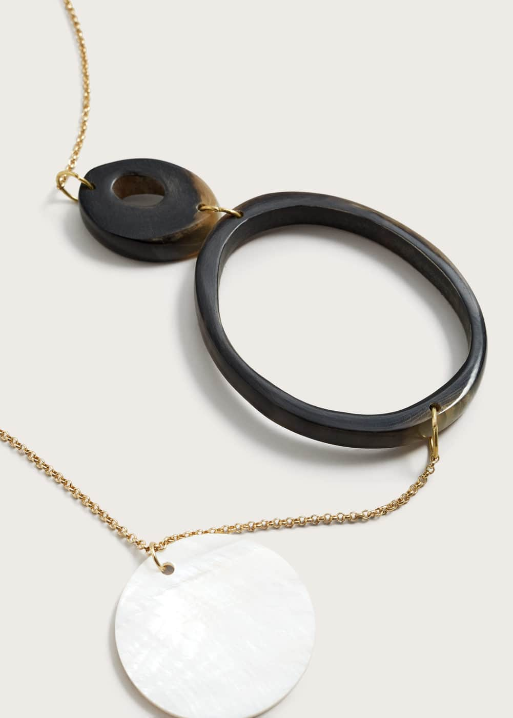 Geometric pendant necklace | VIOLETA BY MANGO
