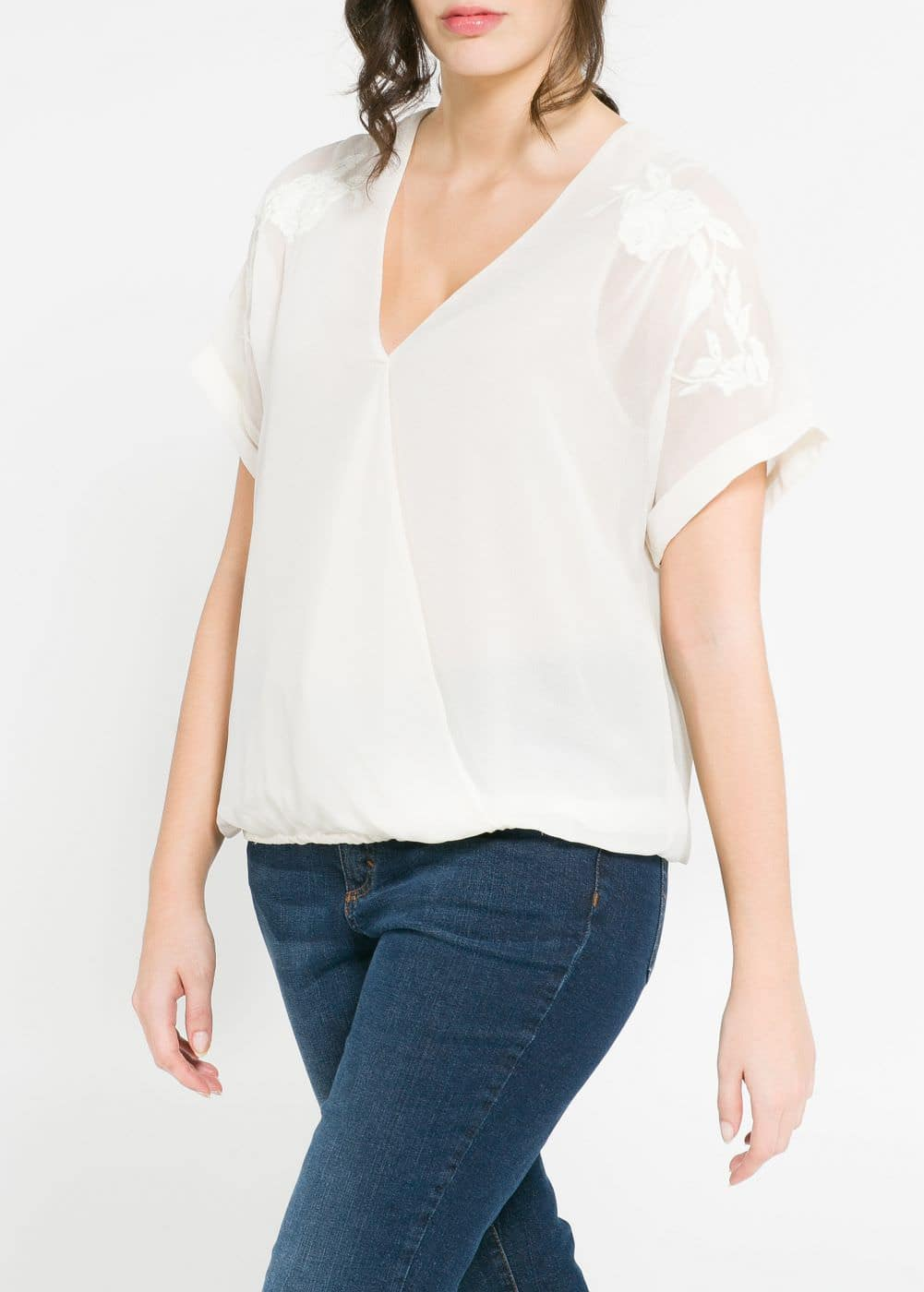 Embroidered wrap blouse | MANGO
