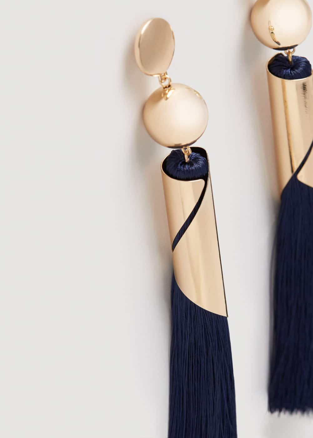 Pompon beads earrings | MANGO