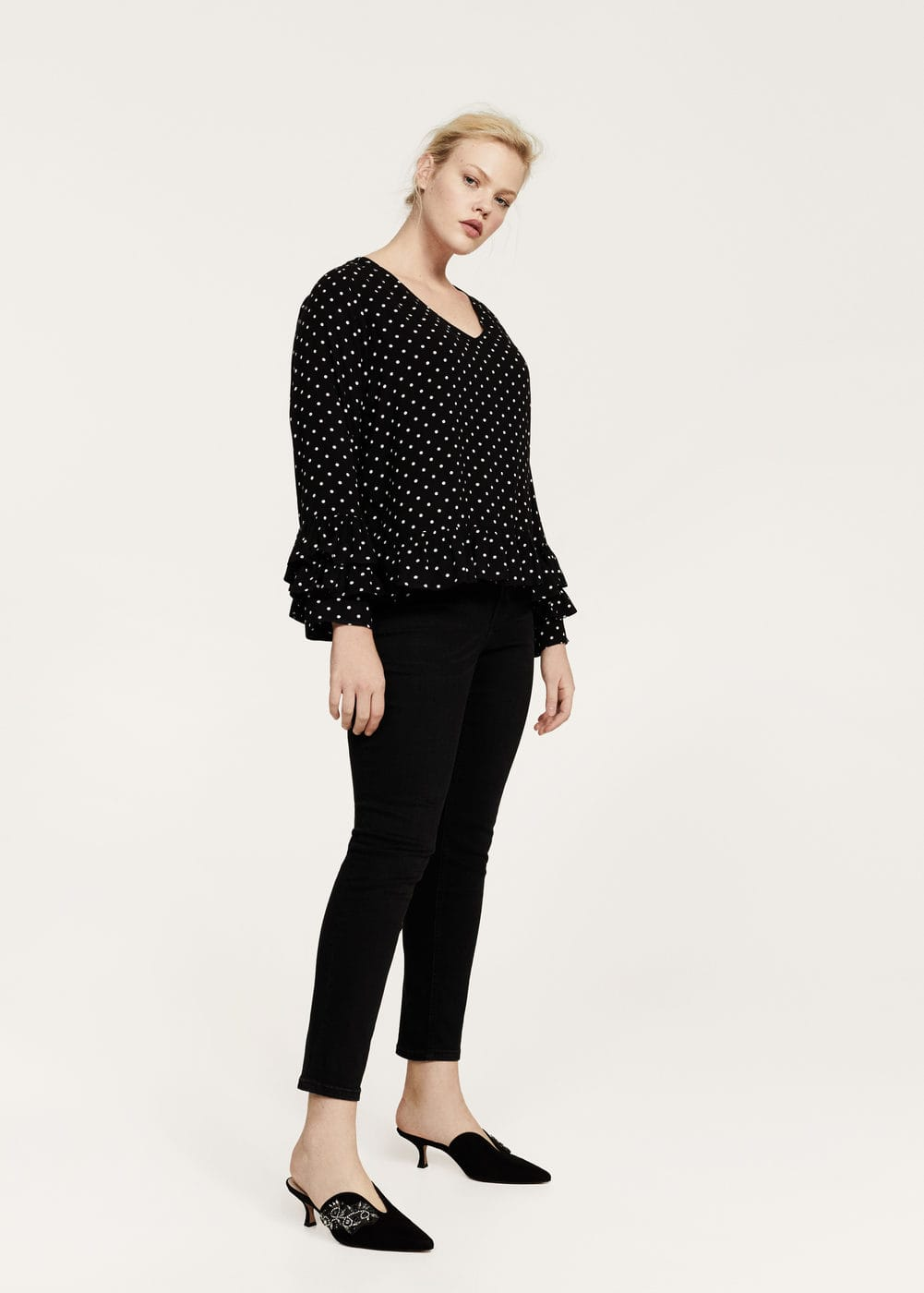 Blouse à pois à volants