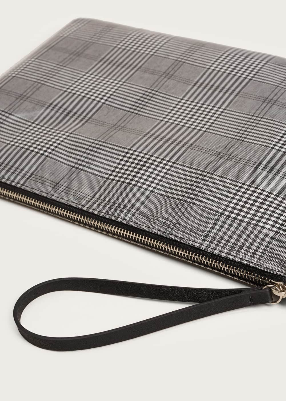 Large checked cosmetic bag  | MANGO