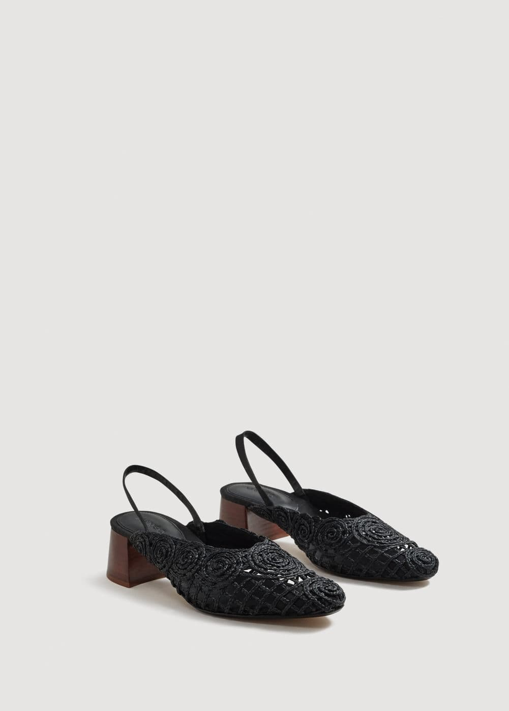 Backless braided shoes | MANGO