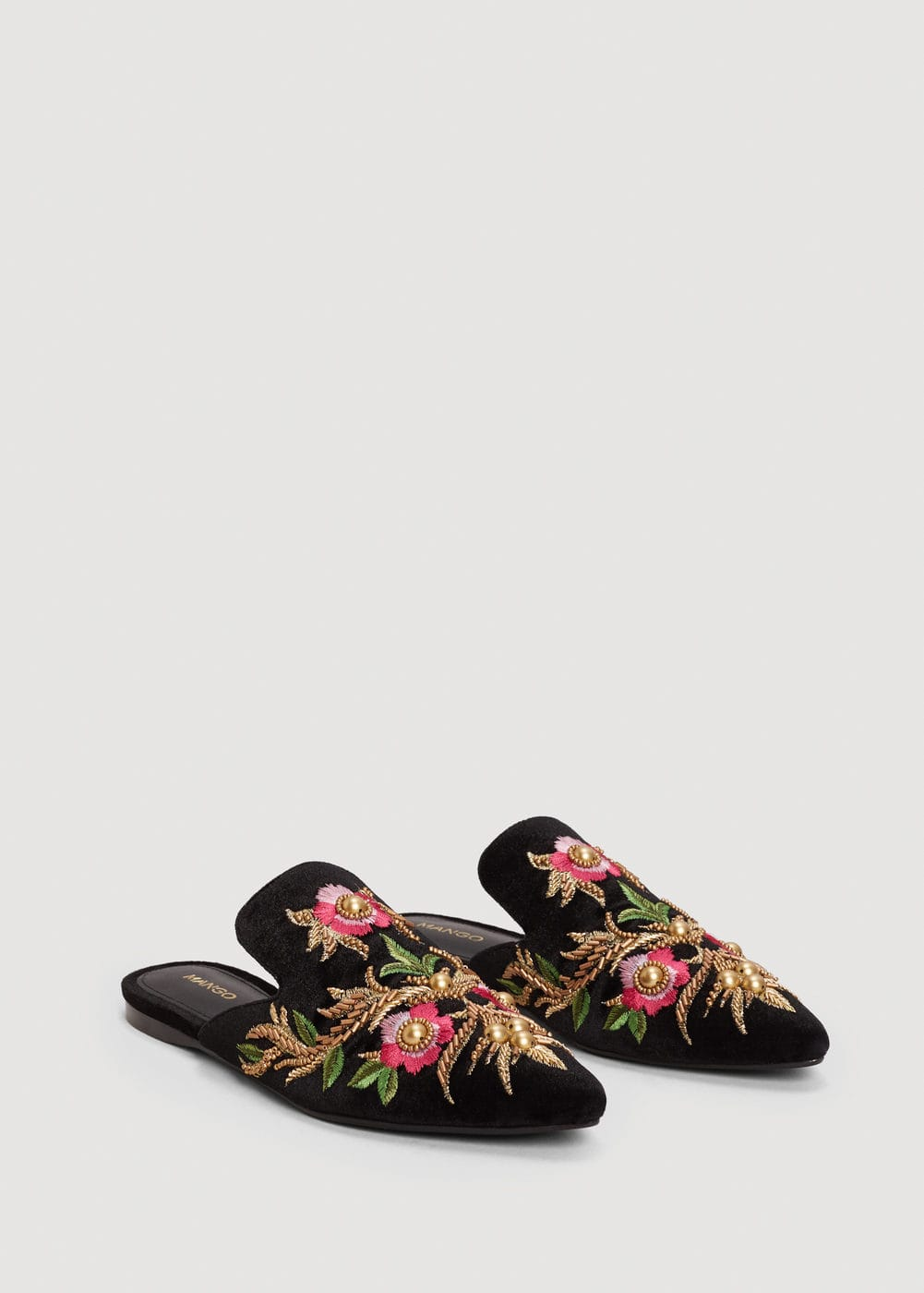 Embroidered floral shoes | MANGO
