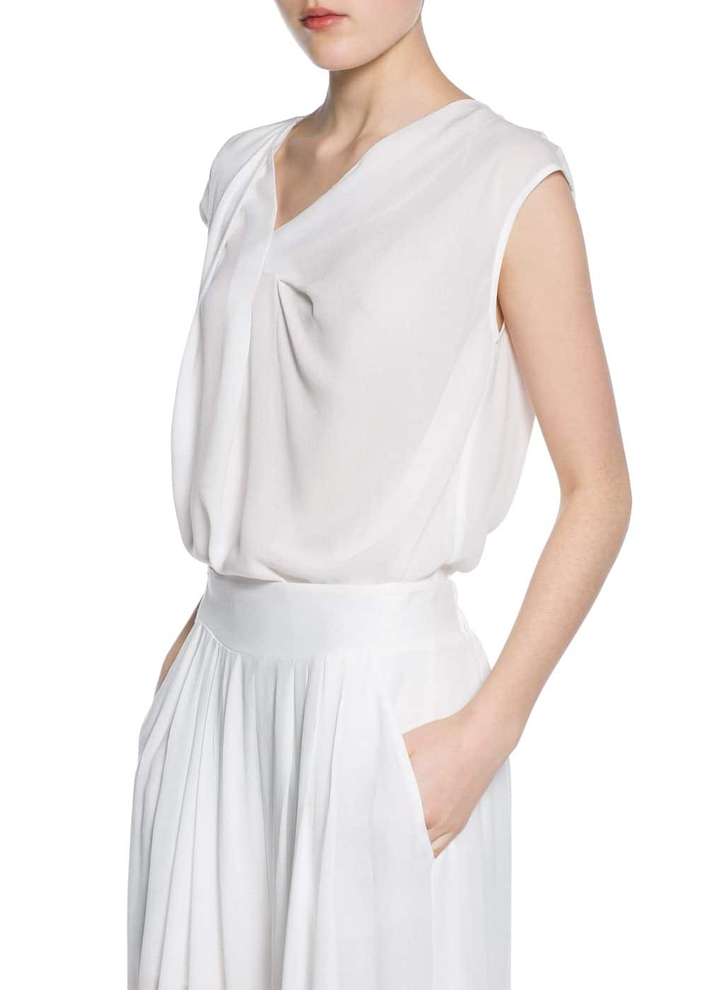 Flowy pleated top | MANGO