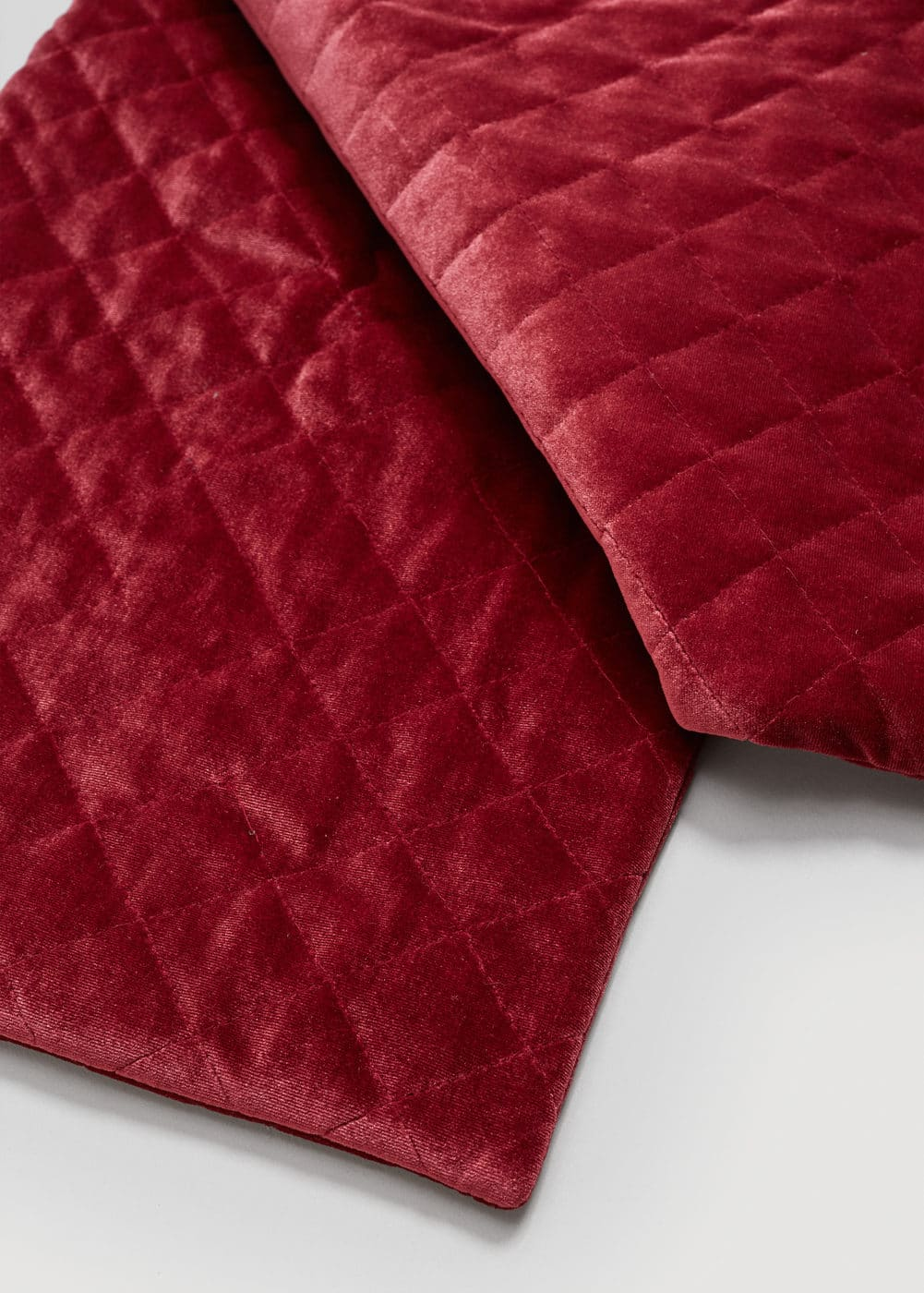 Velvet quilted scarf | MANGO