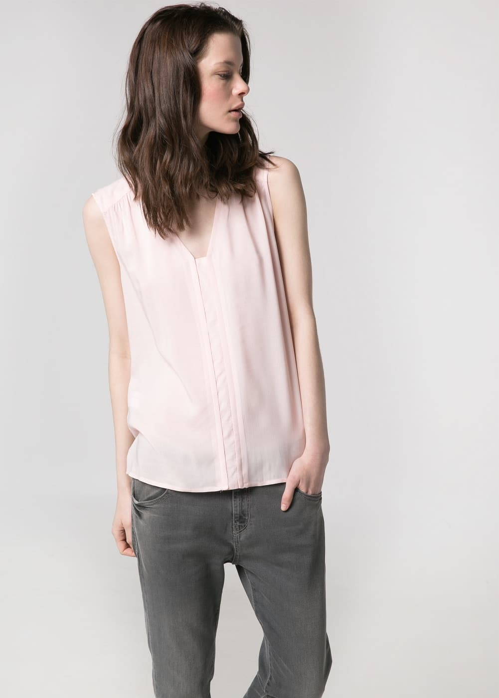V-neck top | MANGO