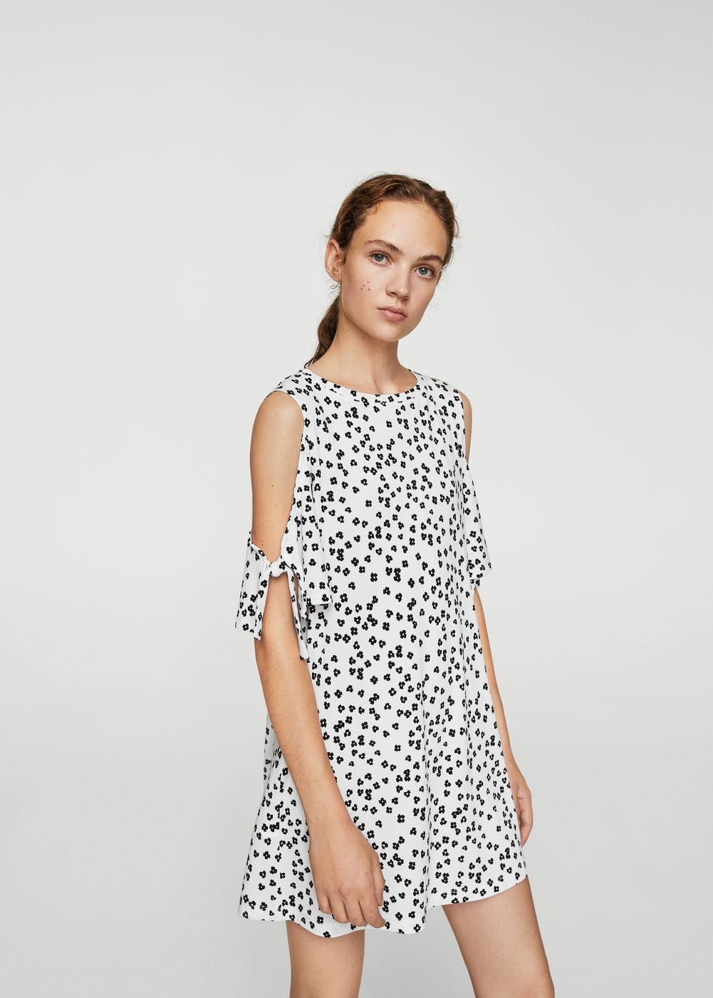 Cold Shoulder Jurk by Mango