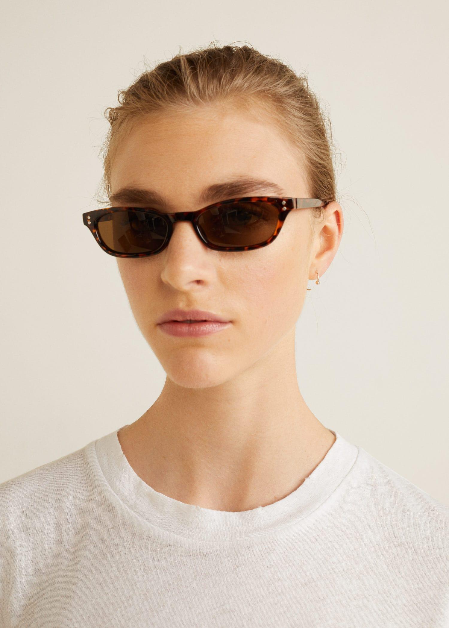Hoornachtige zonnebril