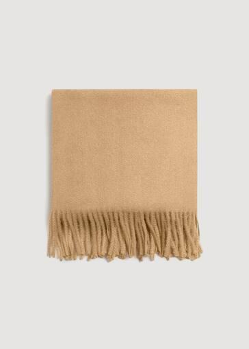 7e5e68293318 Fringed edge scarf - Women   MANGO USA