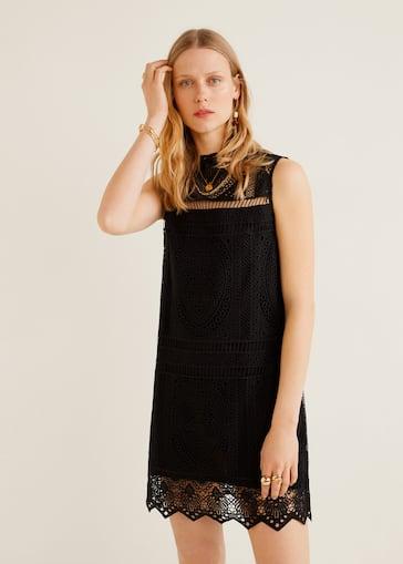 7249b1d8a5 Krótka haftowana sukienka - Plan średni