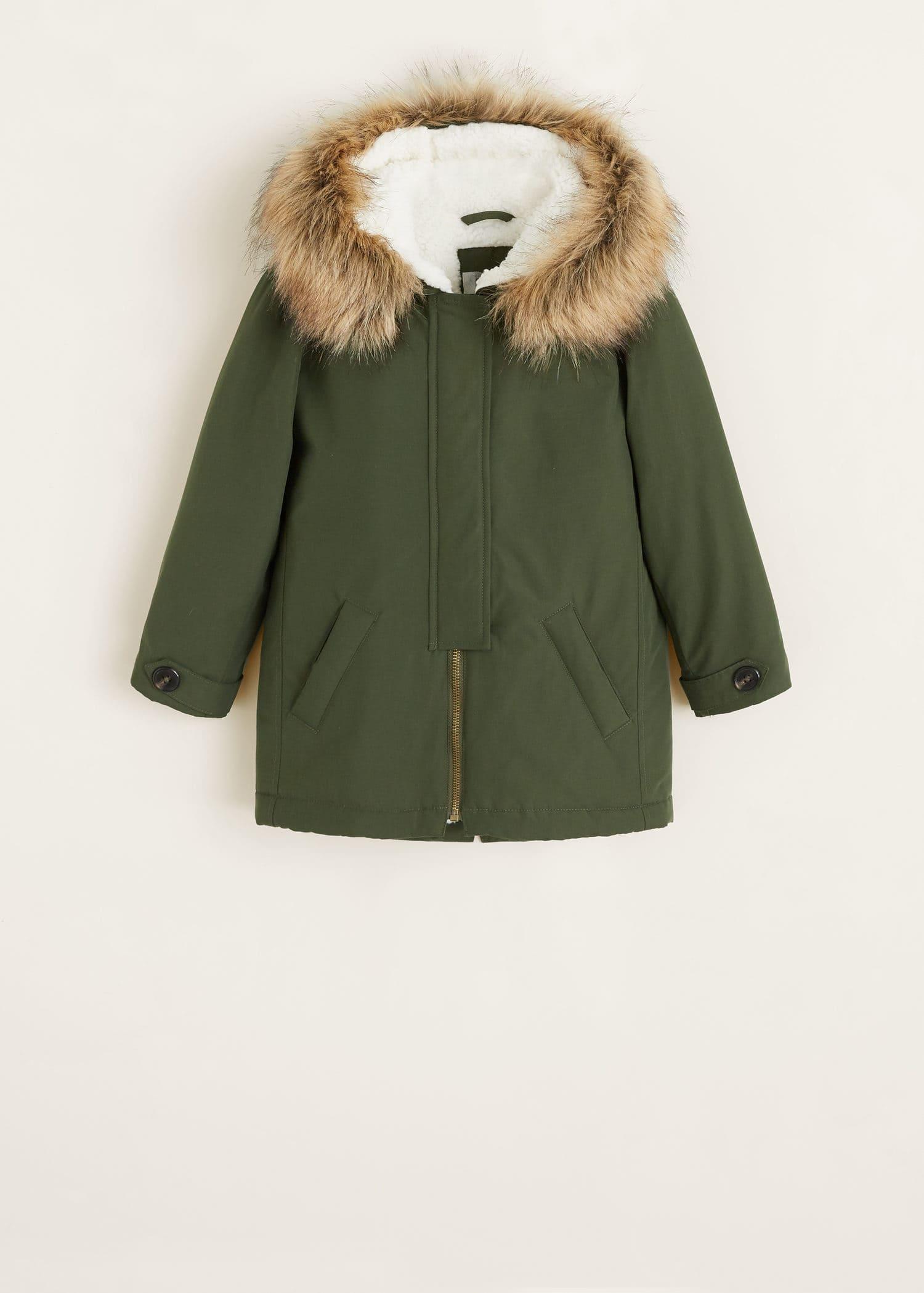 Abrigos verdes con capucha