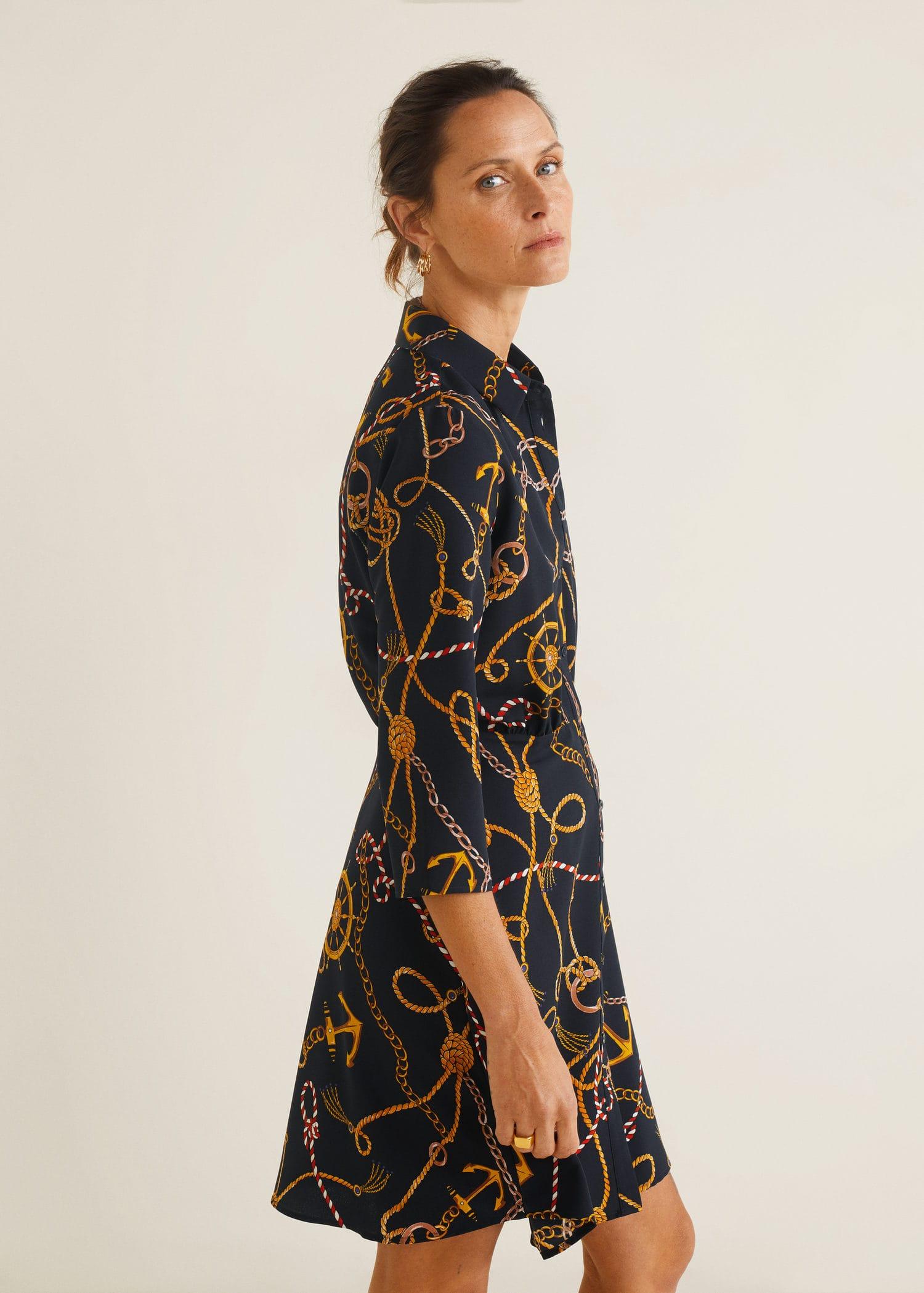 Fliessendes kleid mit print