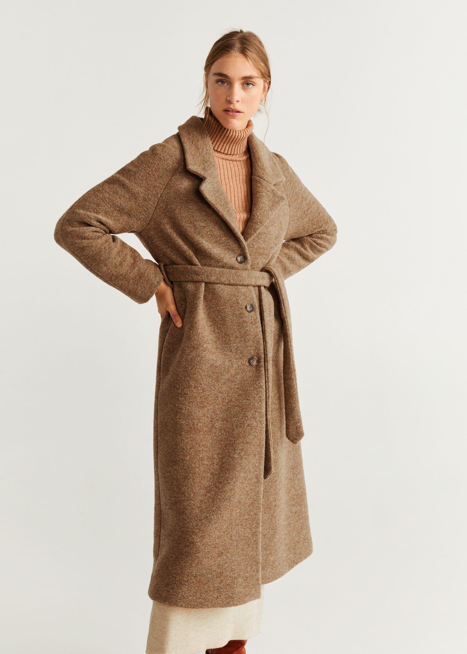Płaszcz wełniany z ozdobnym łańcuchem