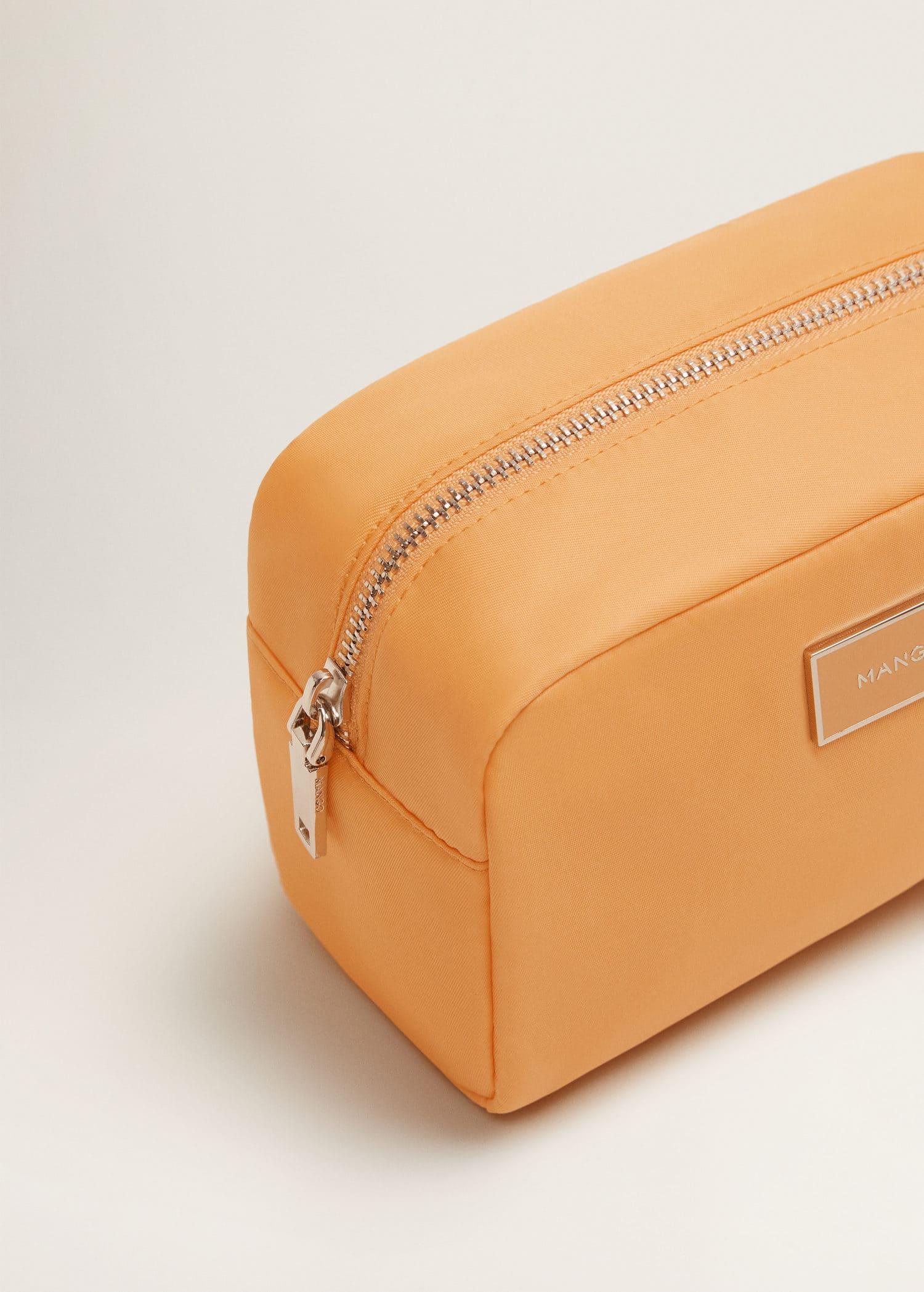 292dbbca0ac59 Mango Fermuarlı kozmetik çanta 1 Mango Fermuarlı kozmetik çanta 3 ...
