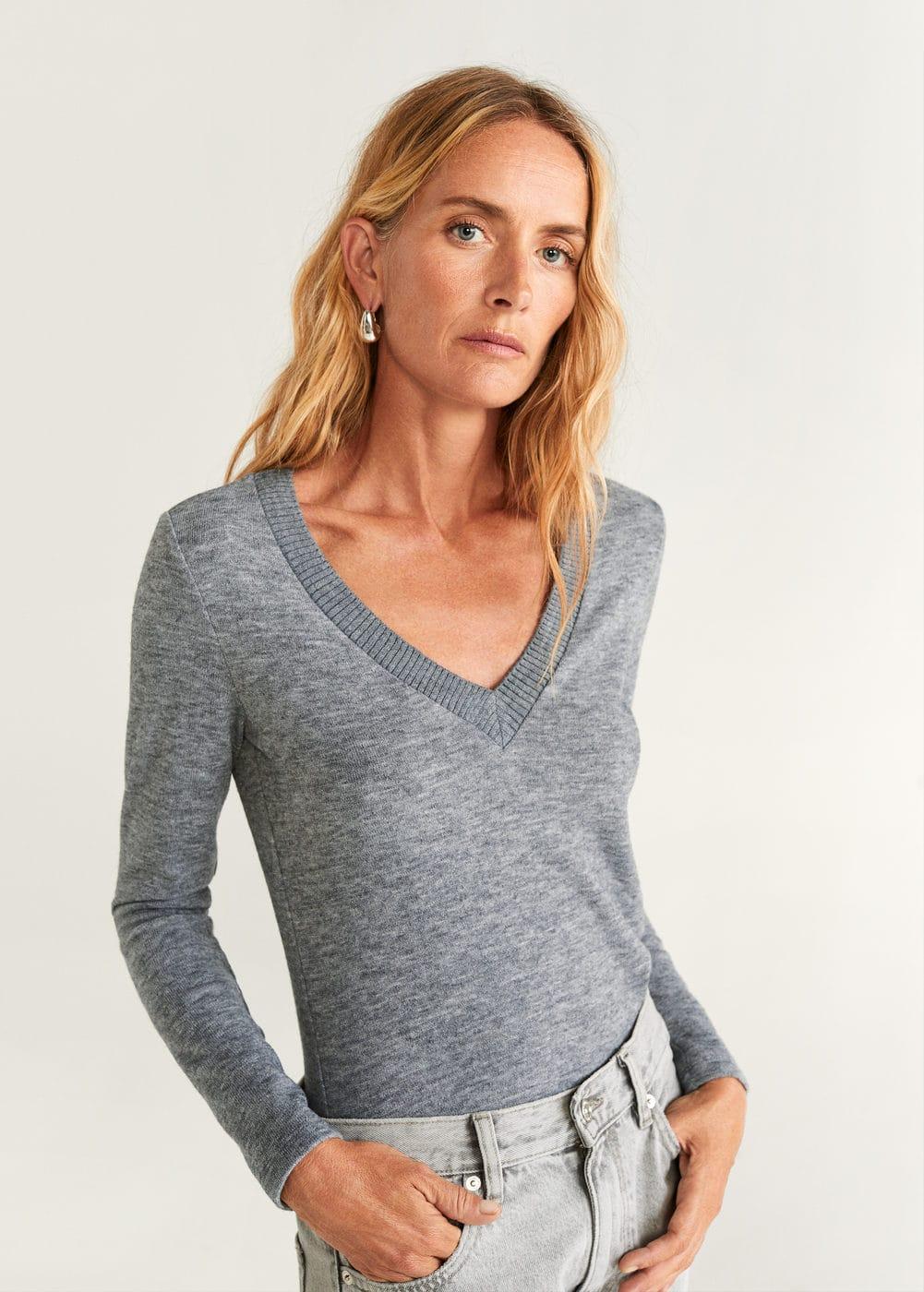 m-beropic:camiseta cuello pico canale