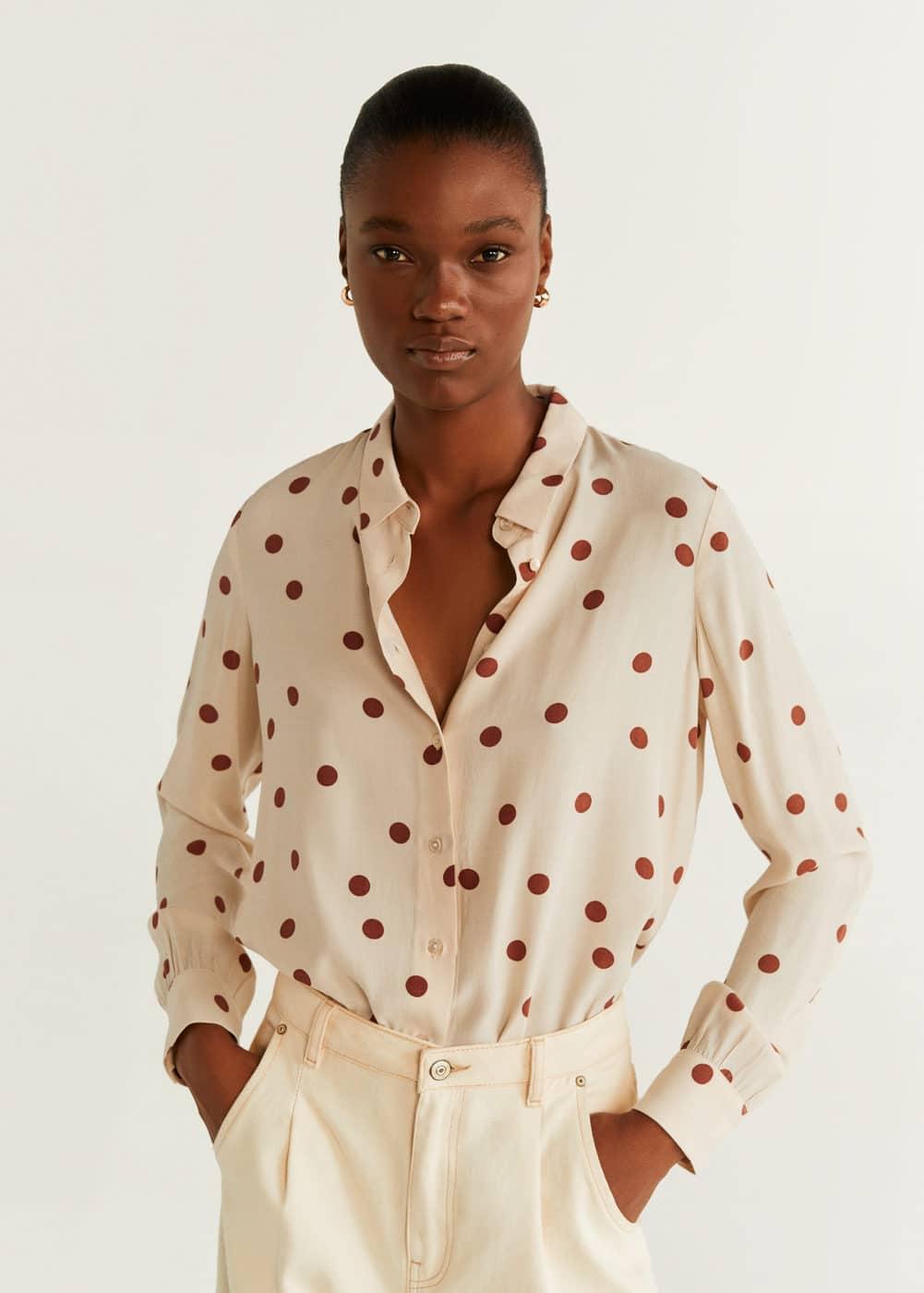 m-brown:camisa estampada botones