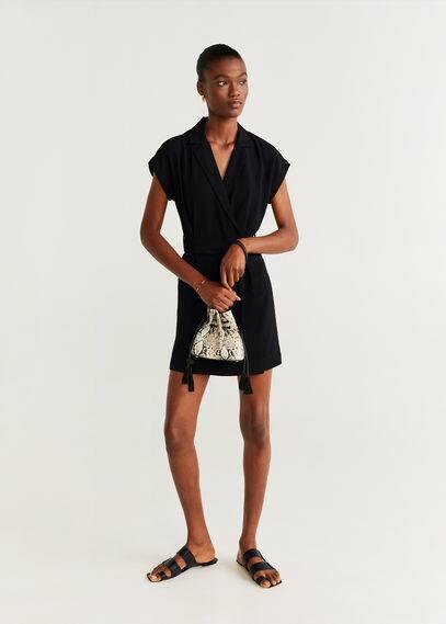 Revers-kleid mit schleife