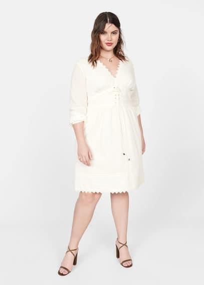 Geborduurde plumetis jurk