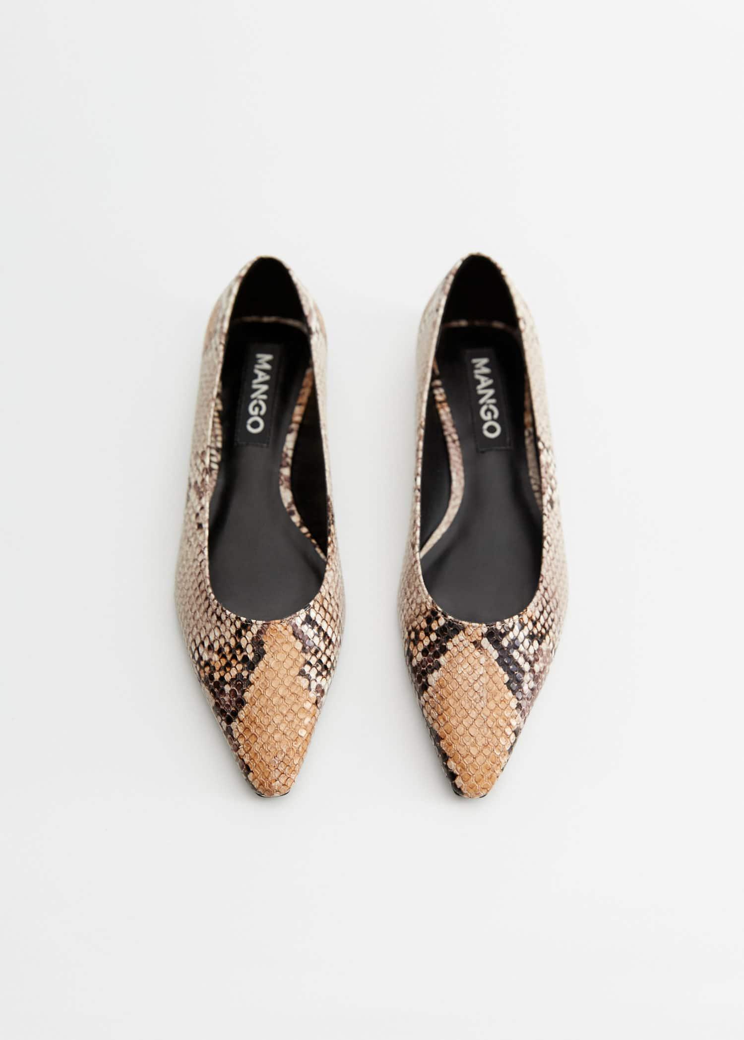 Pointed toe flat shoes - Women | Mango USA