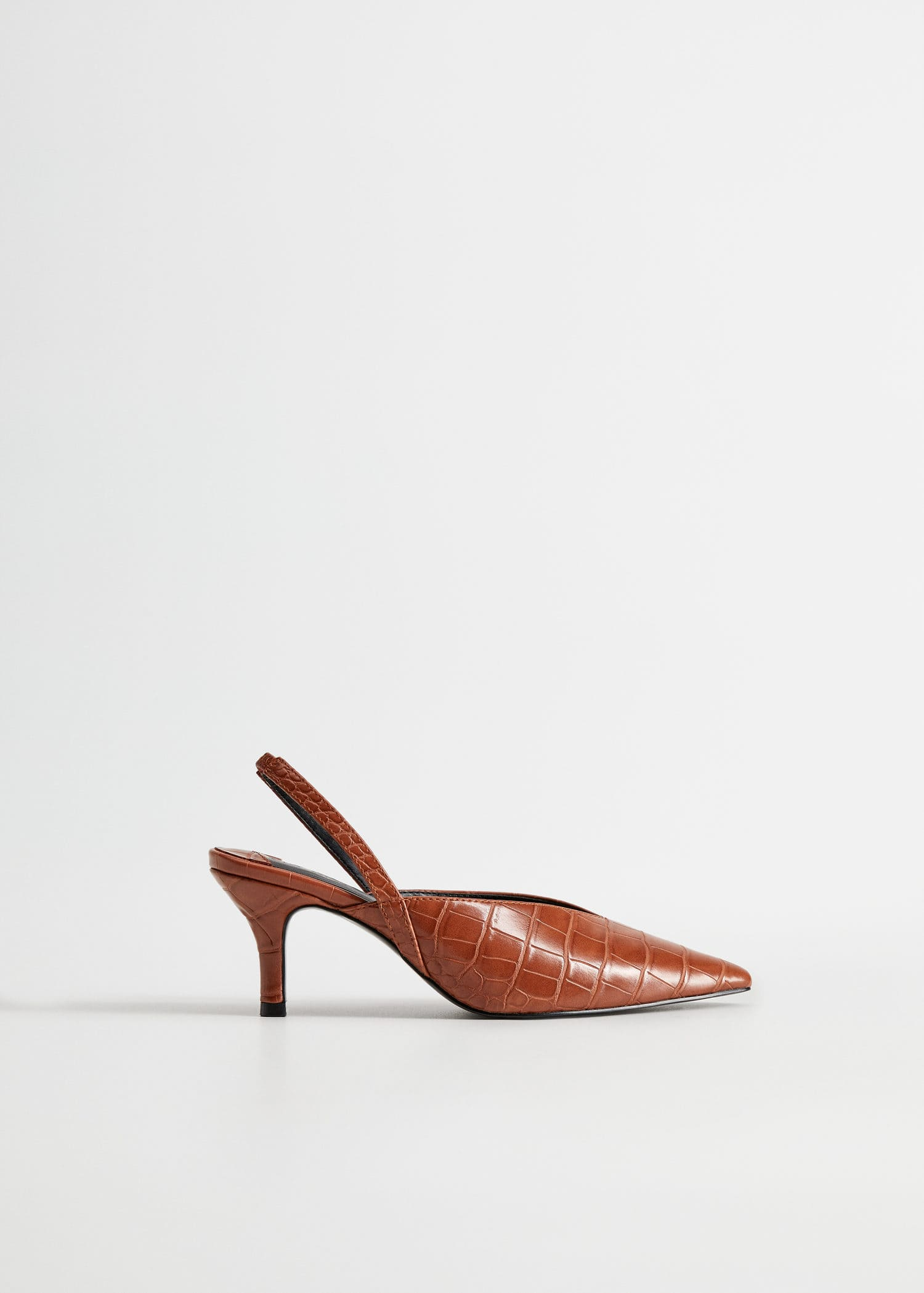 Sapato com ponta de crocodilo