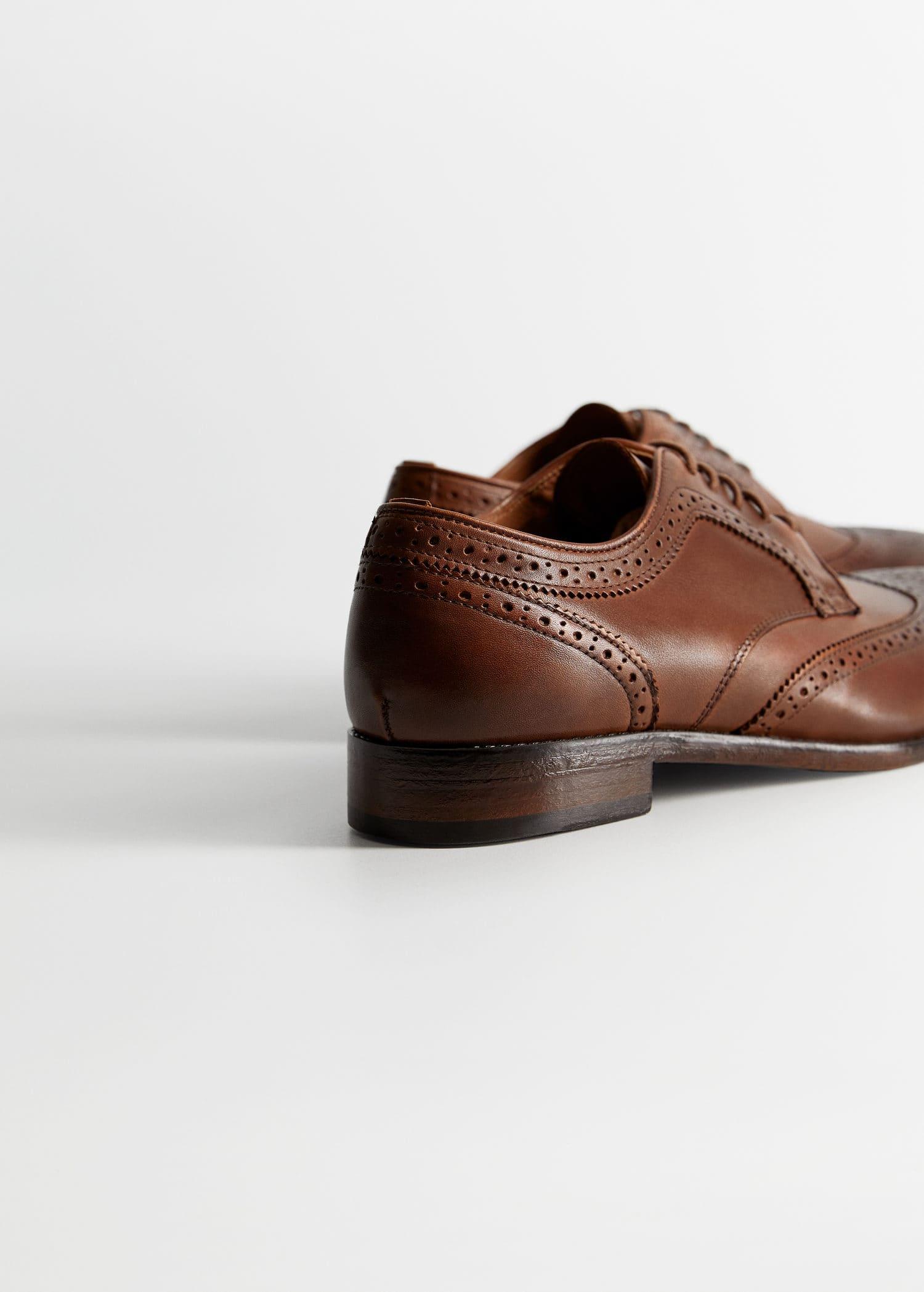 Blucher sko i skinn med hullmønster Menn | Mango Man Norge