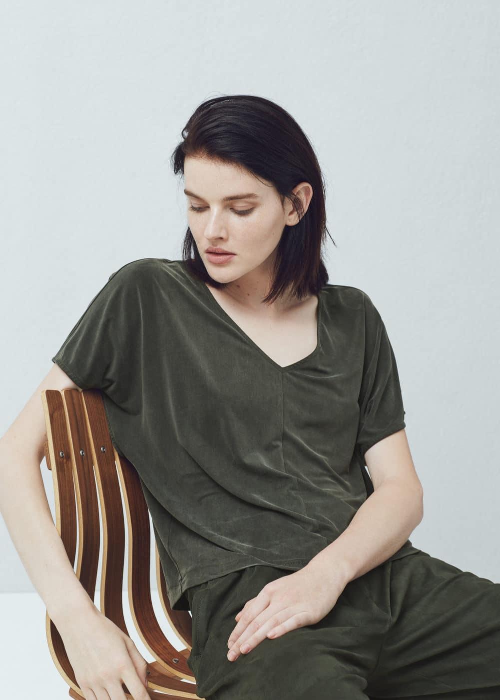 Cupro t-shirt | MANGO