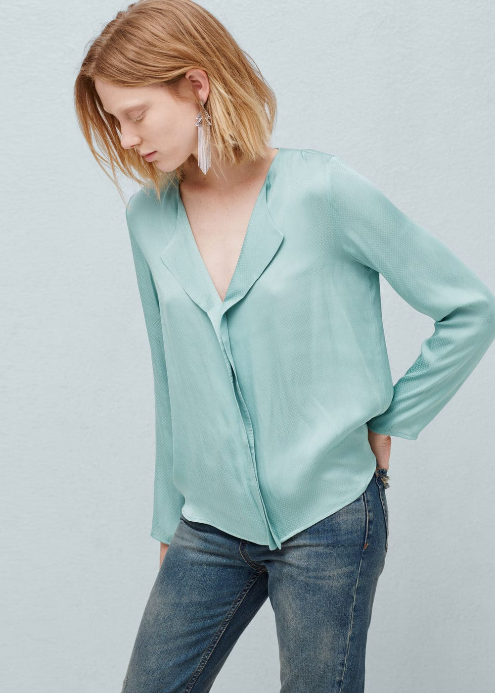 Polka-dot textured blouse | MANGO