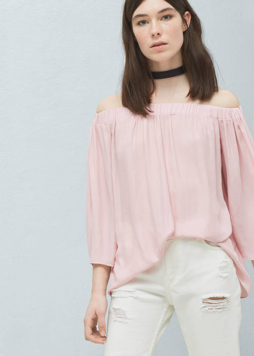 Off-shoulder blouse | MANGO