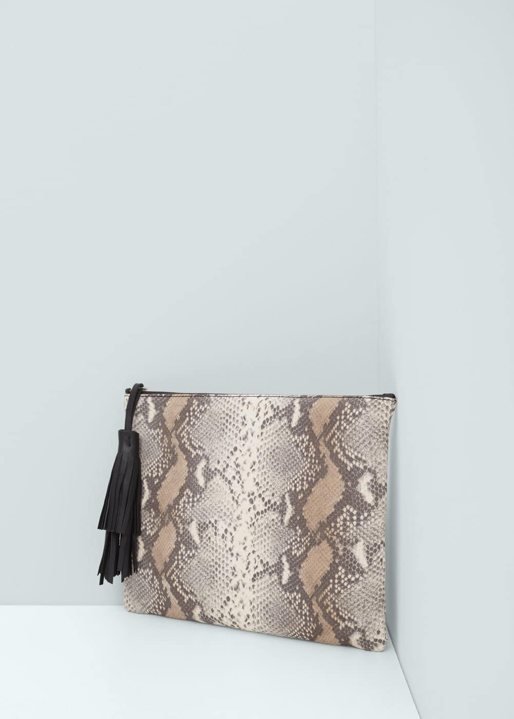 Snake-finish leather clutch | MANGO