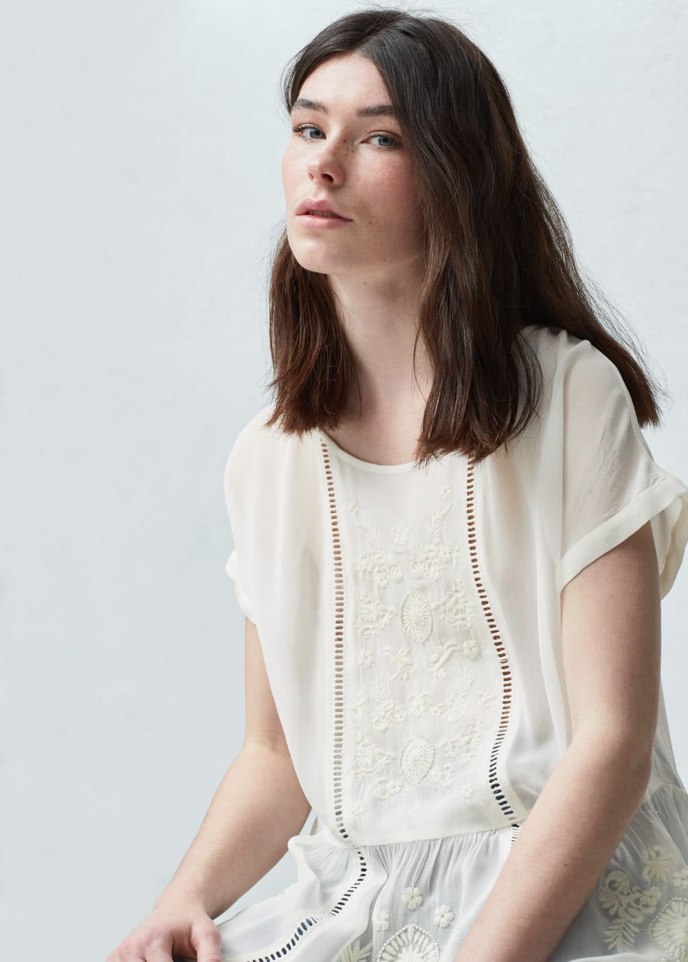 Floral embroidery blouse   MANGO
