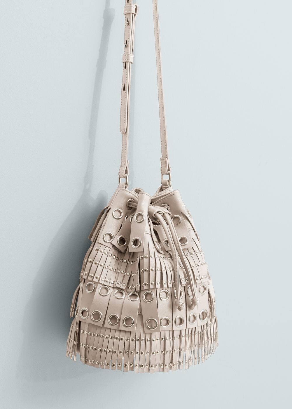 Studded bucket bag | MANGO