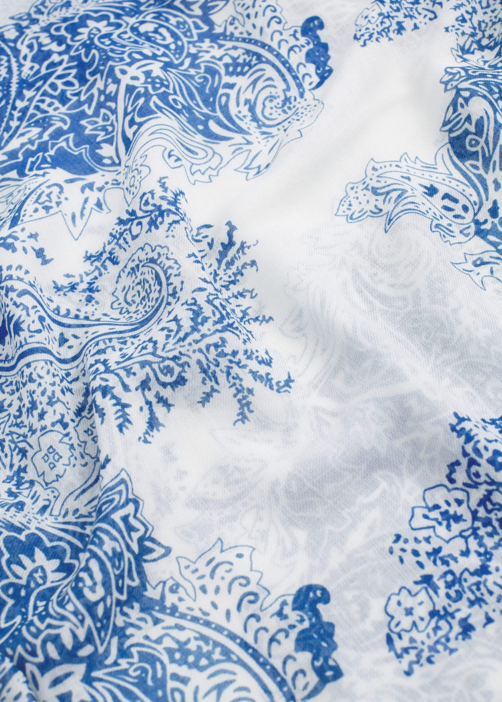 Paisley print scarf | VIOLETA BY MANGO