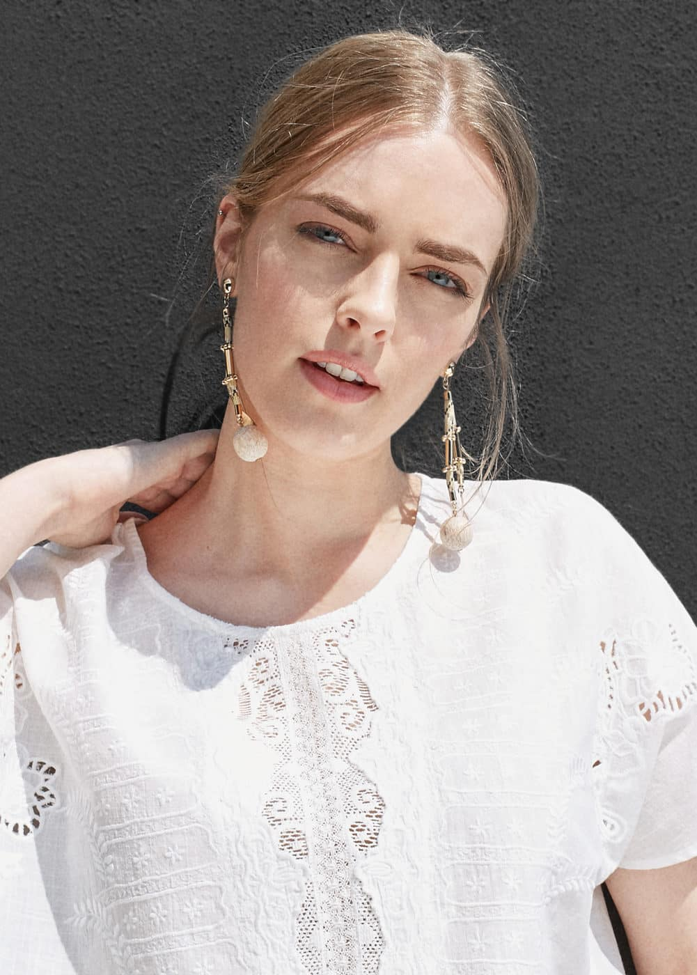 Embroidered cotton blouse | MANGO