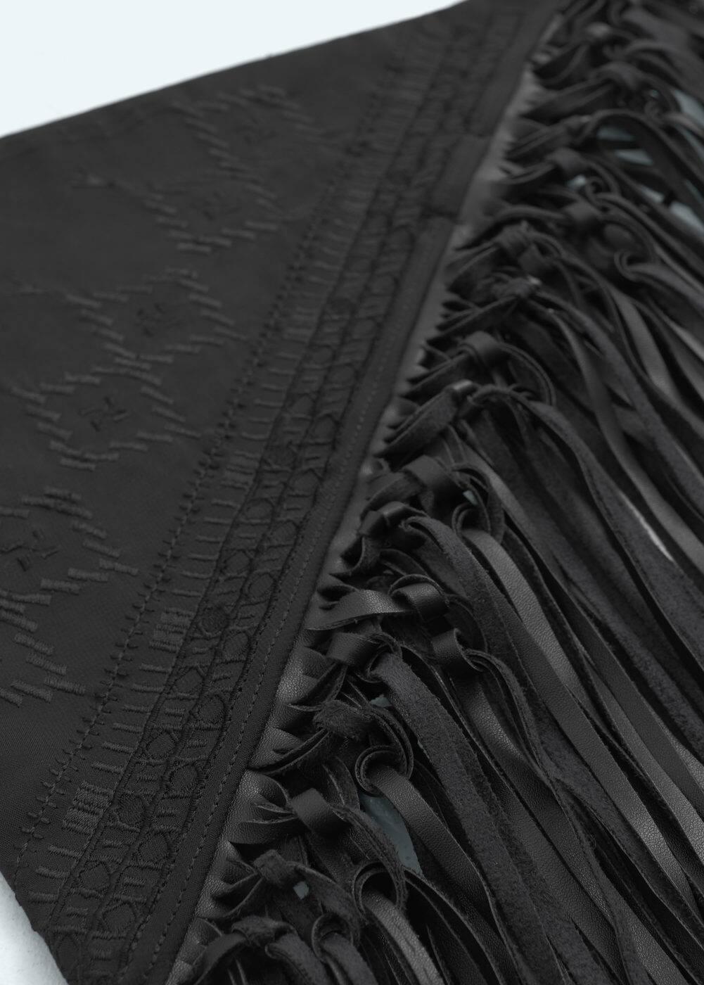 Fringes embroidered scarf | MANGO