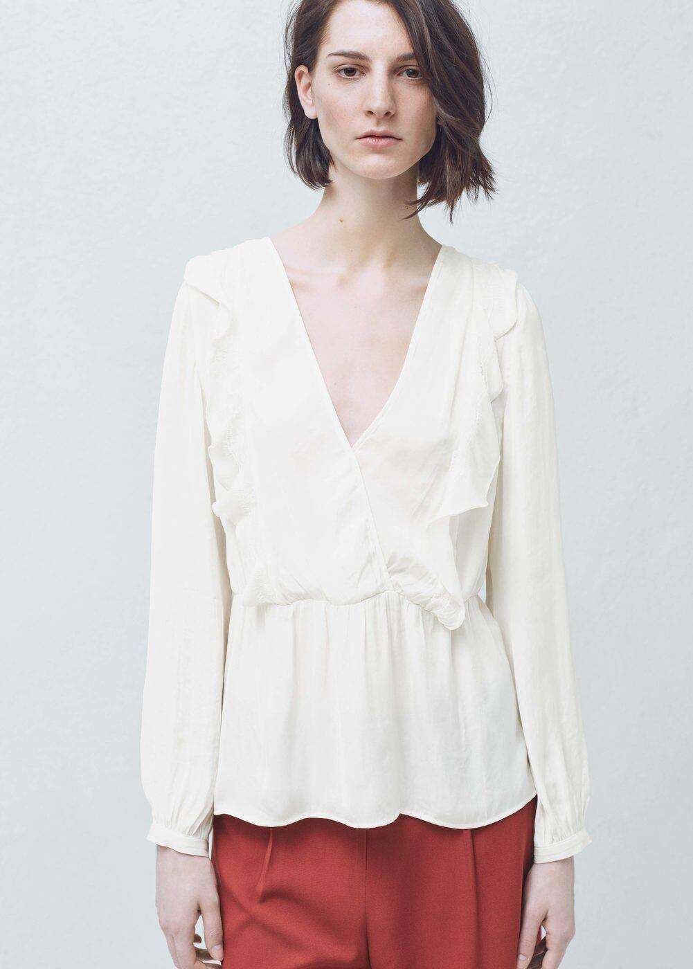 Ruffled neck blouse | MANGO