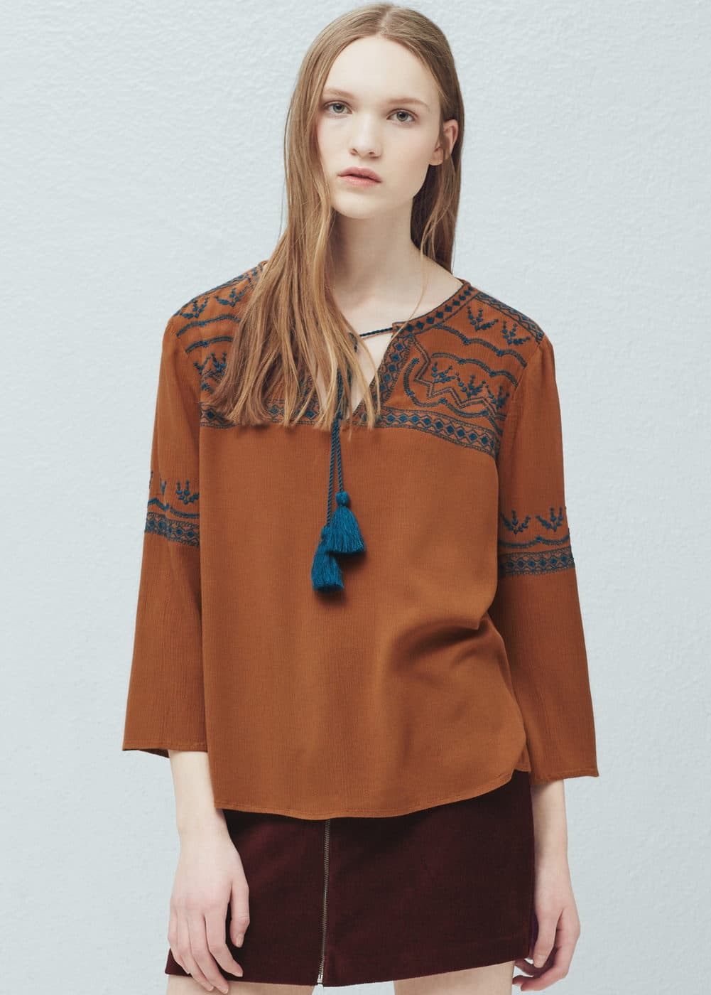 Embroidered appliqué blouse | MANGO